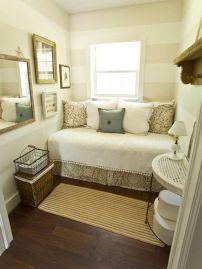 Outra foto com a cama na frente da janela! São tantas ideias!