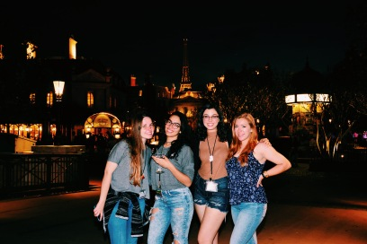 Paula, Carol e Emily @ Paris, Epcot