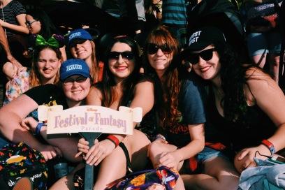 Makayla, Kate, Jess, Kelly e Liz